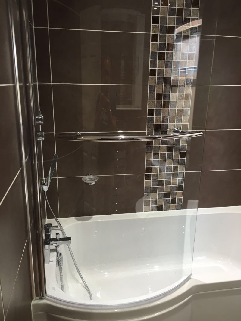bathroom wall tiling in porcelain tiles supplied from tile giant - Bathroom Tiles Eltham